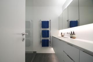 404 gh bathroom 2